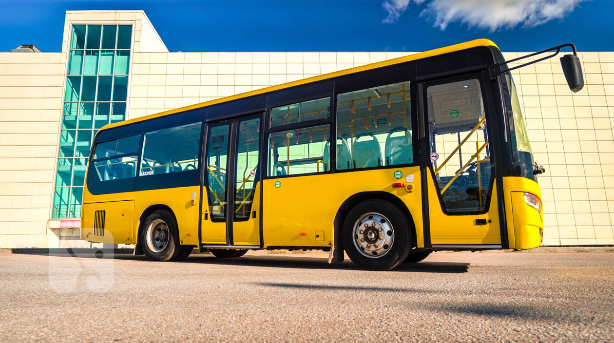 автобусYutong ZK6852HG вид сбоку.